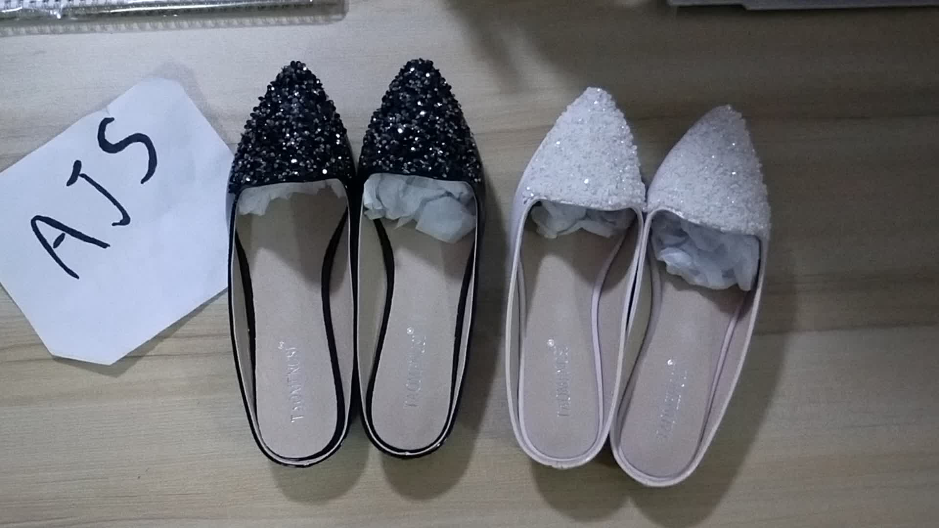 SS0308 Fancy girl pu slippers in size 43 ladies casual loafer mules shoes pu sandals 2019