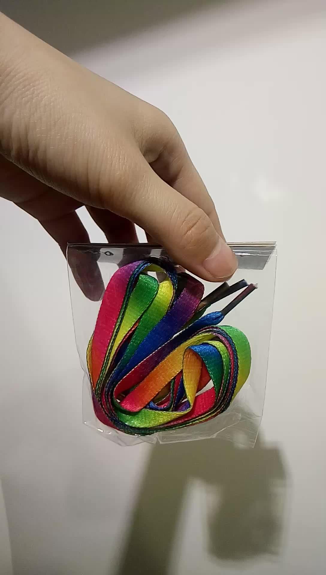 Flat Polyester Custom Stylish 패션 십 대 컬러 풀 한 Rainbow 할 수 있습니까