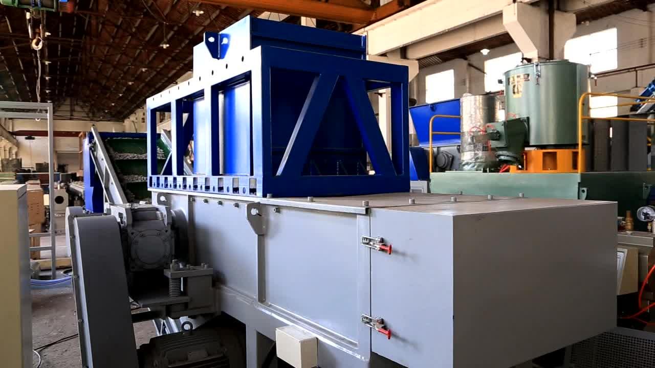 Enkele As Gebruikt Plastic Pijp Aluminium Blikjes Staal Schroot Shredder Machine voor Verkoop
