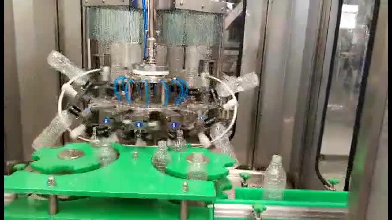 ขนาดเล็ก1500 Bph แก๊สเครื่องดื่มบรรจุ Bottling Line