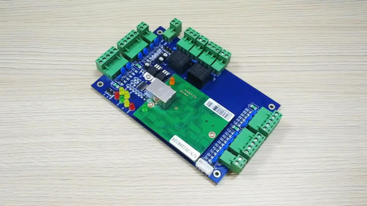 TCP IP ウィーガンド 26 4 ドアアクセスコントローラ制御器 4 読者と 4 ボタン