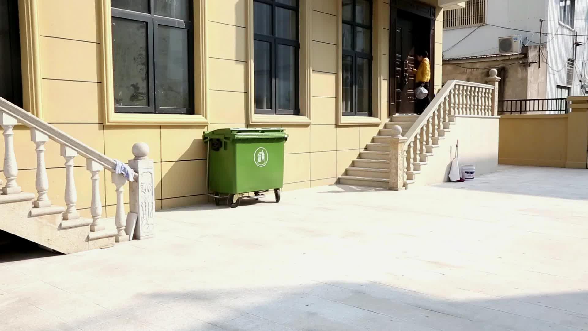Müllcontainer für mobile Abfallbehälter aus Kunststoff 1100L