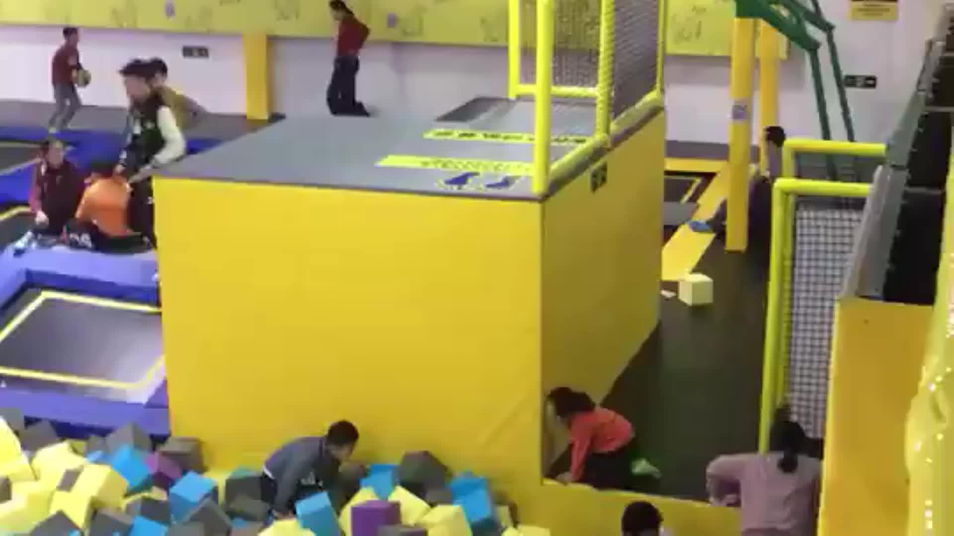 Popüler spor kapalı trambolin parkı