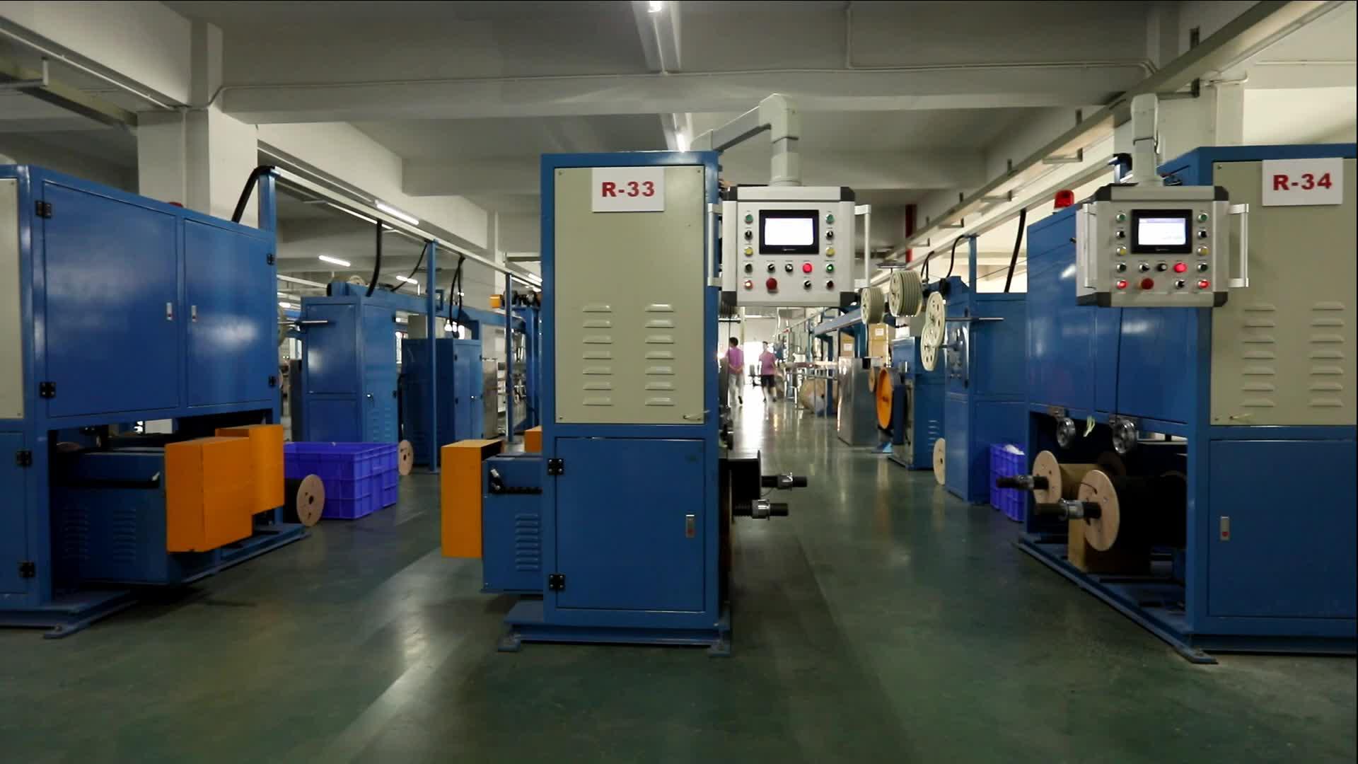 En gros intérieur multimode 1 2 4 6 8 fibres optiques FTTH câble plat De 22 ans usine Mecable