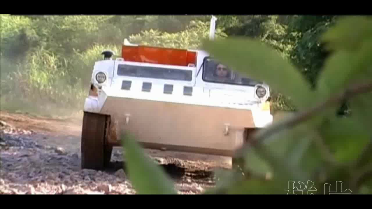 2019 China 8x8 Amphibious All Terrain Military Armored Rescue Vehicle, Used Tracked Vehicle Emergency Recovery Truck for Sale