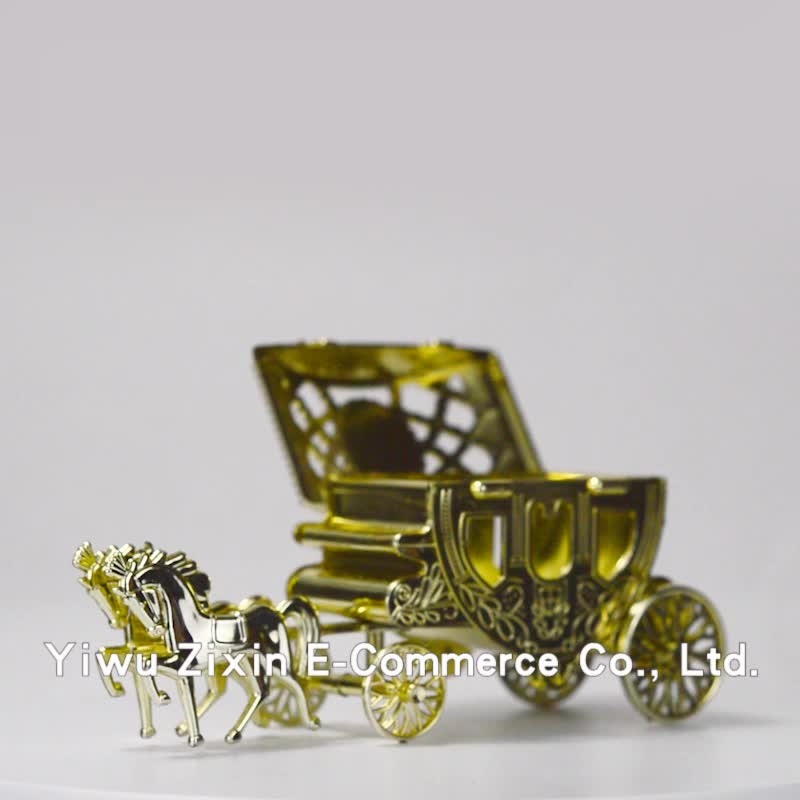 New Arrival European Palace Carriage Shaped decorate wedding Favors Candy Box