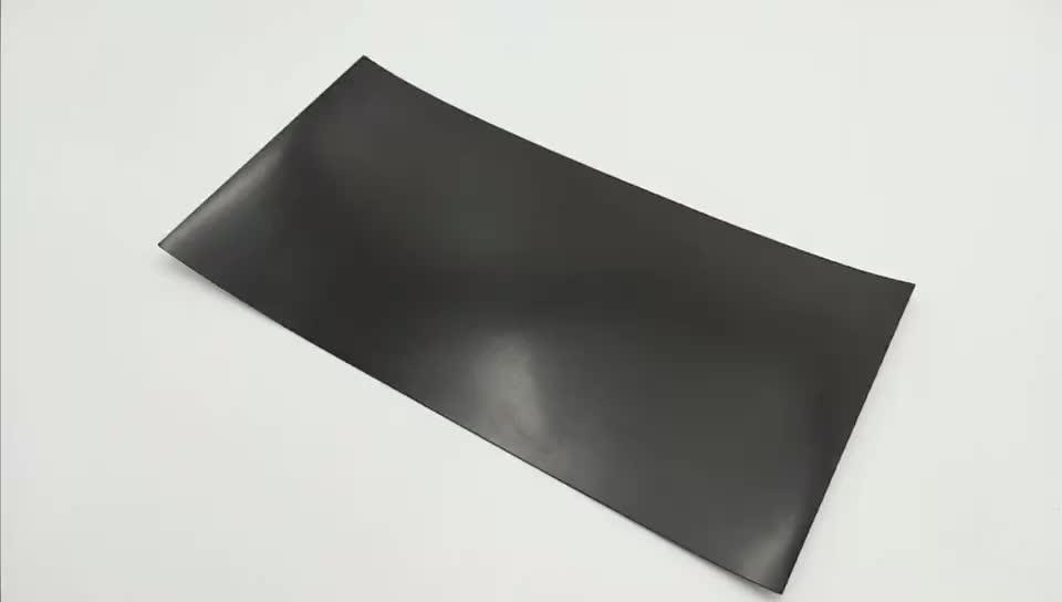 Precio barato cubierta de ventilación magnética de goma con PVC blanco