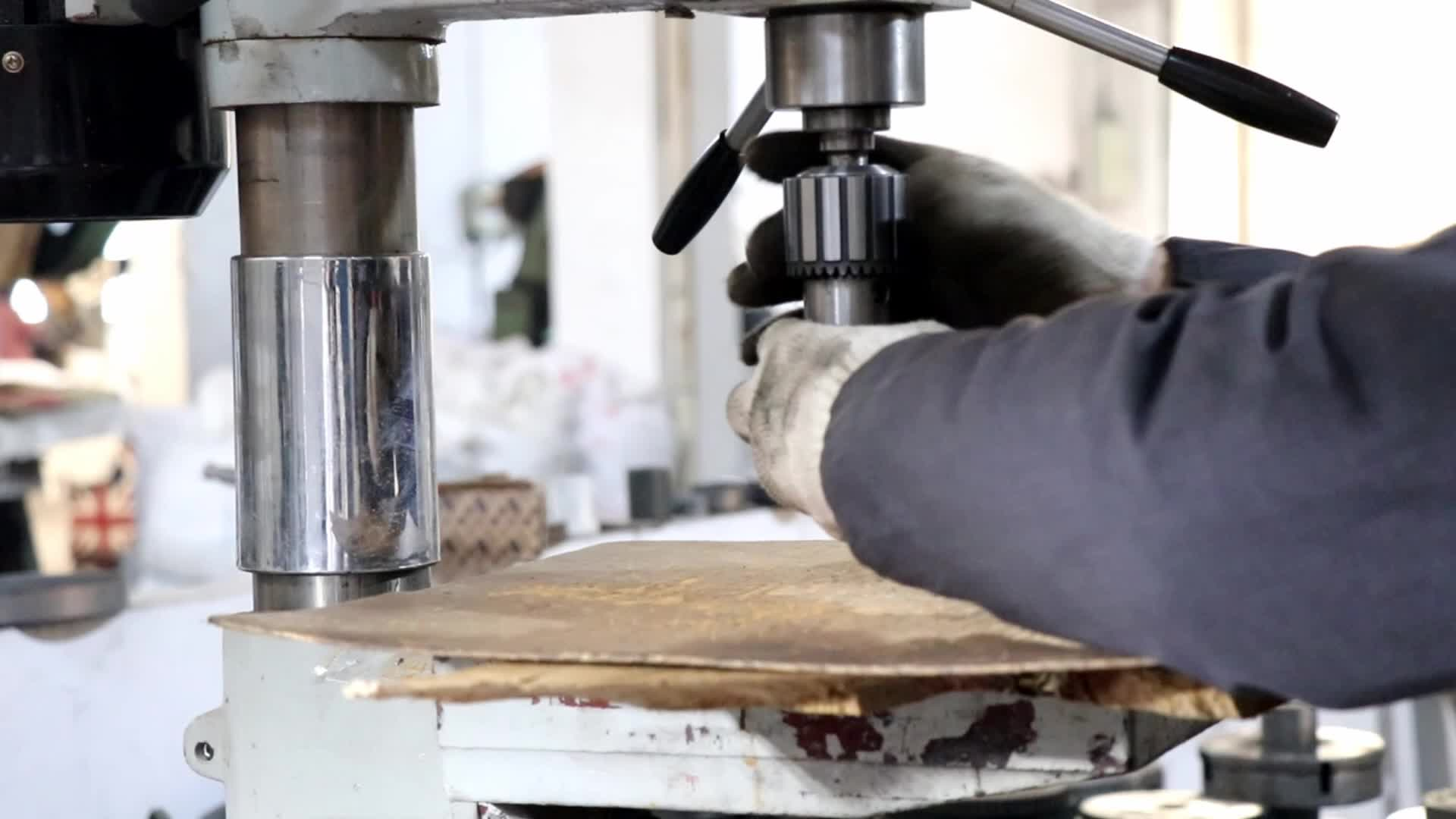 16Pcs Carbon Stahl Holz Loch Sah Kit Set für Holz Trockenbau Kunststoff Schneiden bohrer in Kunststoff box