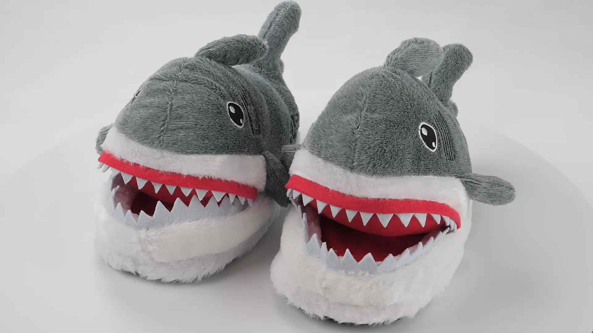 Shark shape สัตว์ฤดูหนาวรองเท้าแตะนุ่มรองเท้าแตะ plush ของเล่นในร่มห้องนอนตลก sos unisex รองเท้าแตะ