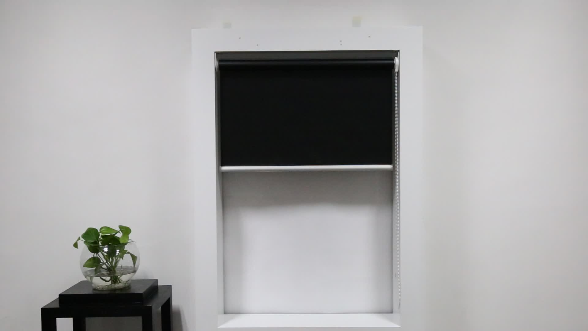 Manual brackout roller blinds for interior decoration