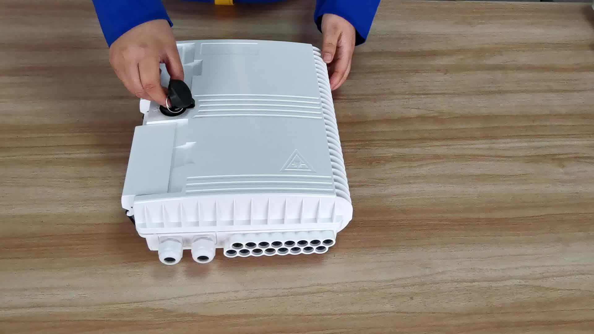 FTTH 4 8 12 16 24 ליבה מקורה חיצוני סיב סיבים אופטי תיבת סיום עם פלדת צינור סוג PLC ספליטר ומתאם