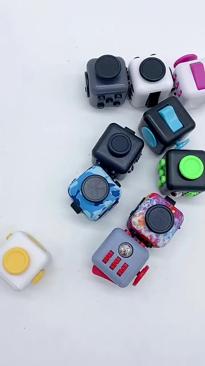 Mini finger toys pressure relief colorful puzzles decompression dice magic fidget spinner cube
