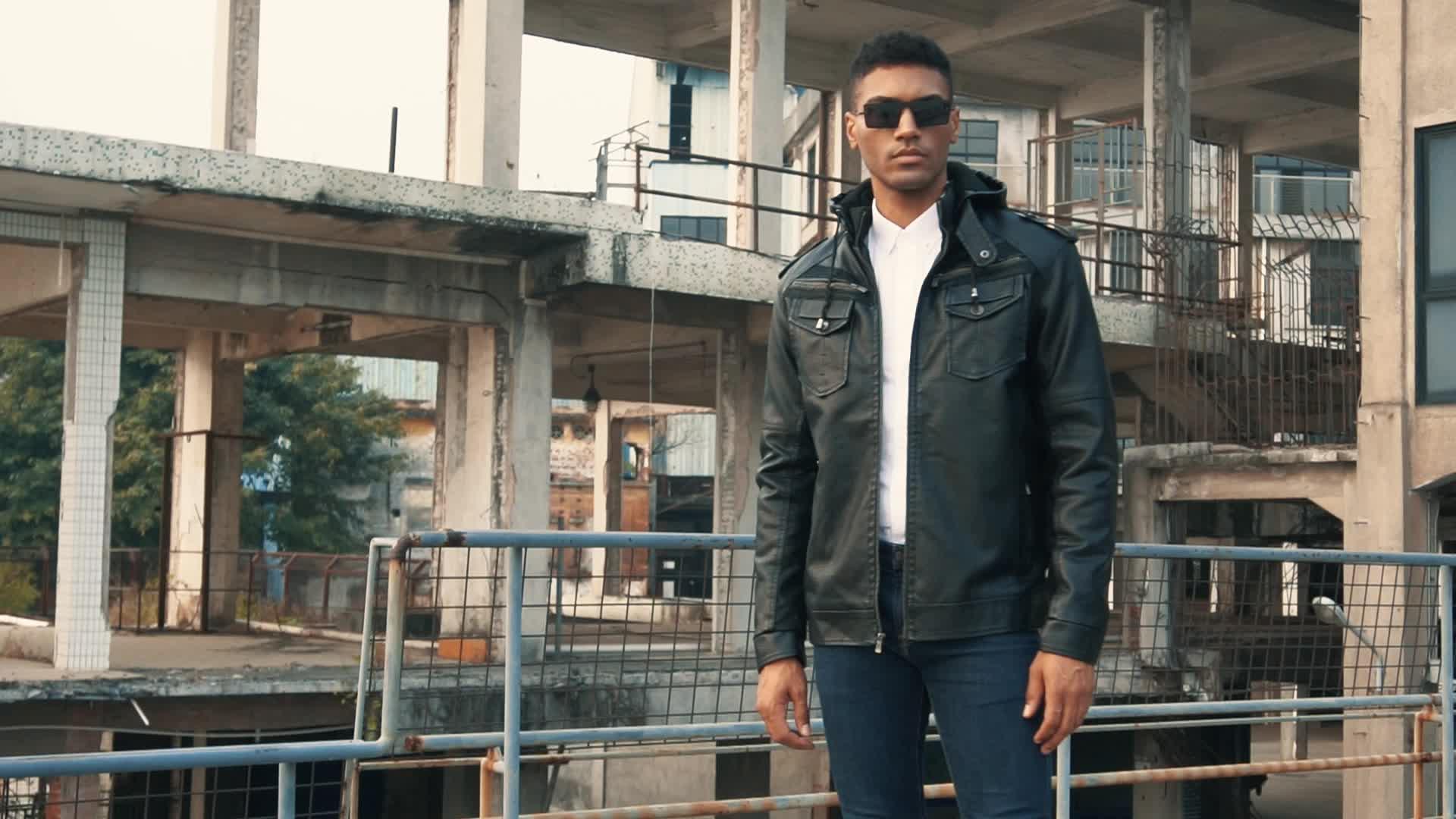 New Arrivals Patchwork Design Winter Plus Velvet Hooded Motorcycle Leather Jacket for Mens Wholesale Men's Jackets & Coats