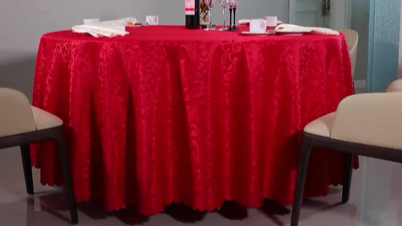 High Quality Dobby Table Decorative Xmas Red Tablecloths For Holidays