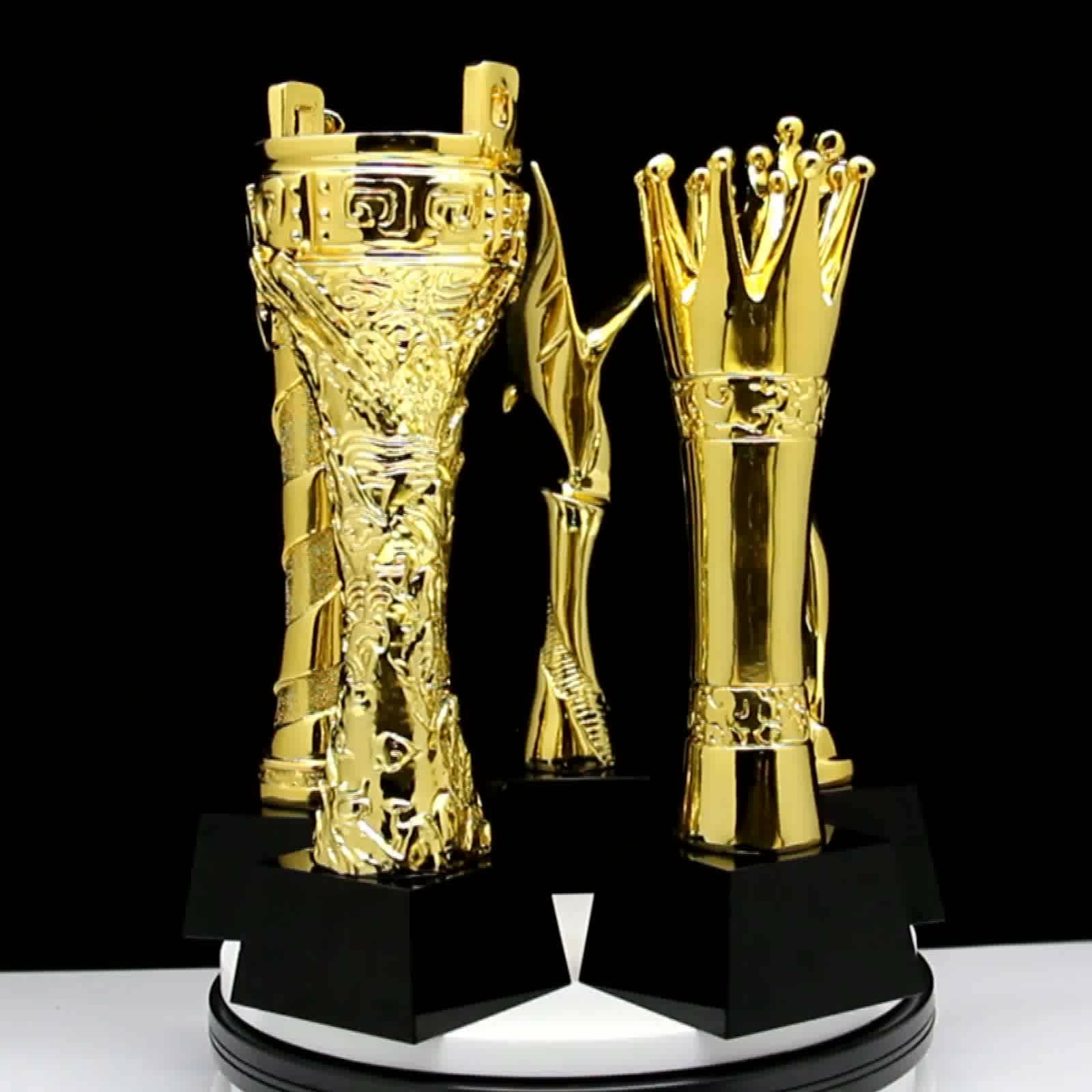 O mais novo troféu de resina de musculação de esportes de cristal chapeado de ouro Polyresin