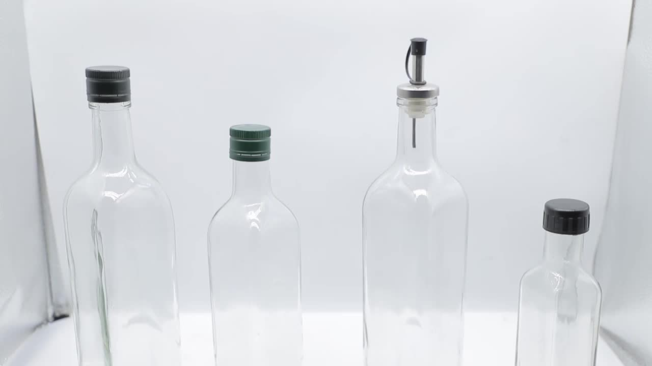 Wholesale 100ml mini square clear glass olive oil bottle with cap