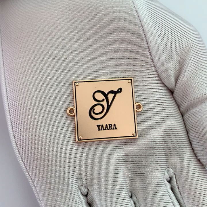 Exquisite square shape metal tag custom enamel logo printed metal letter label for scarf