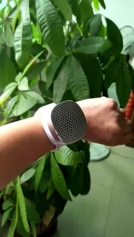 S1 wrist strap Wearable BT speaker