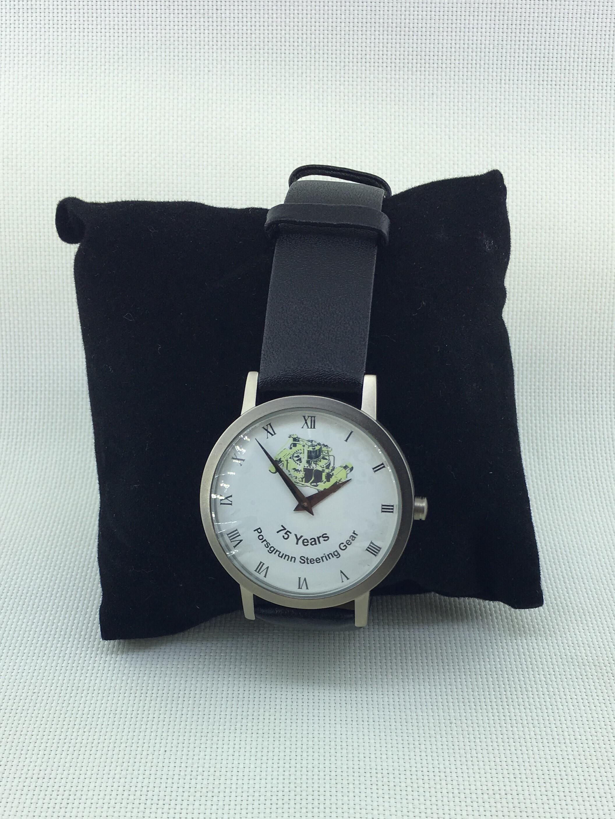 Часы Норвежский Porsgrunn/Акер решения таблицы тонкой титана оболочки, которую Цифровые Часы