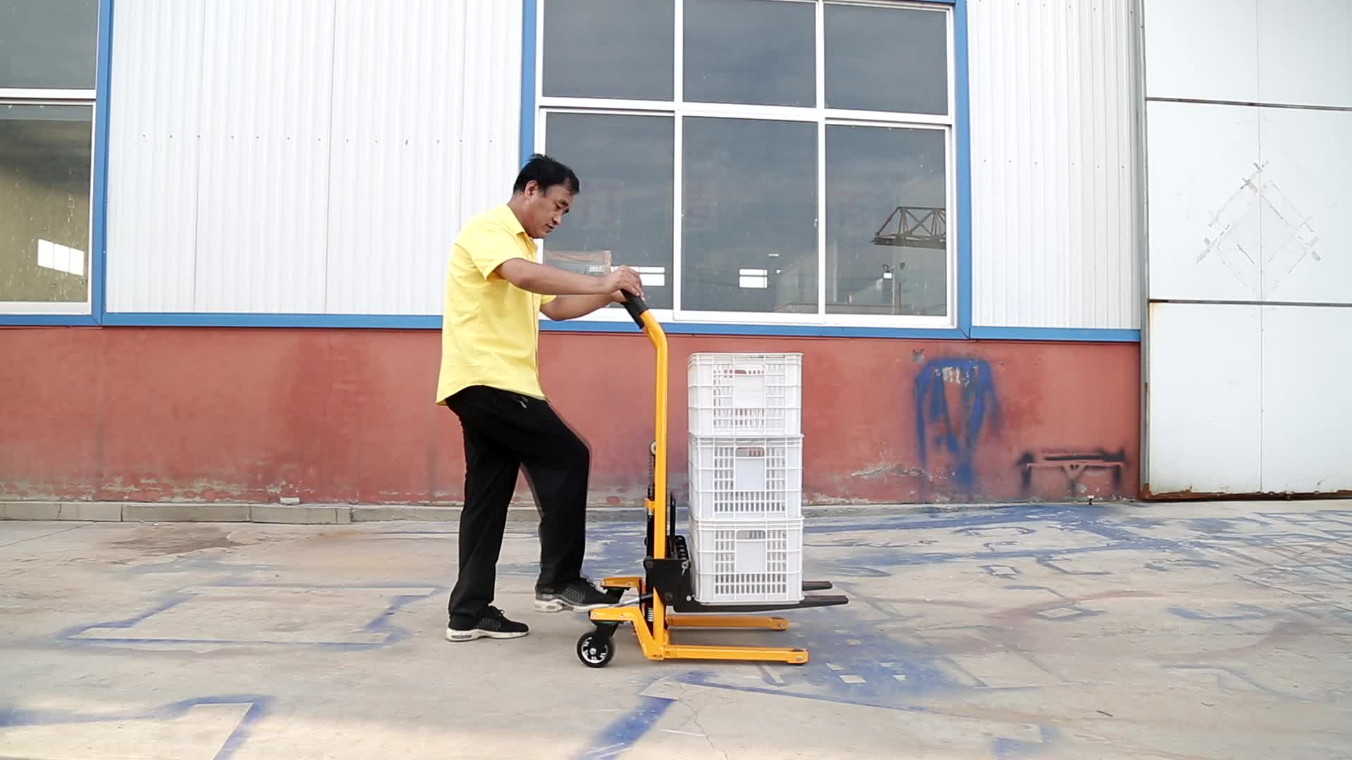 Tay hướng dẫn sử dụng pallet hoạt động stacker nâng pallet stacker xe nâng