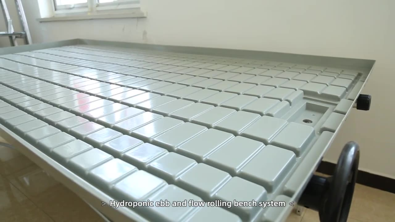 Cheap Multi-layer wire greenhouse growing shelves for sale