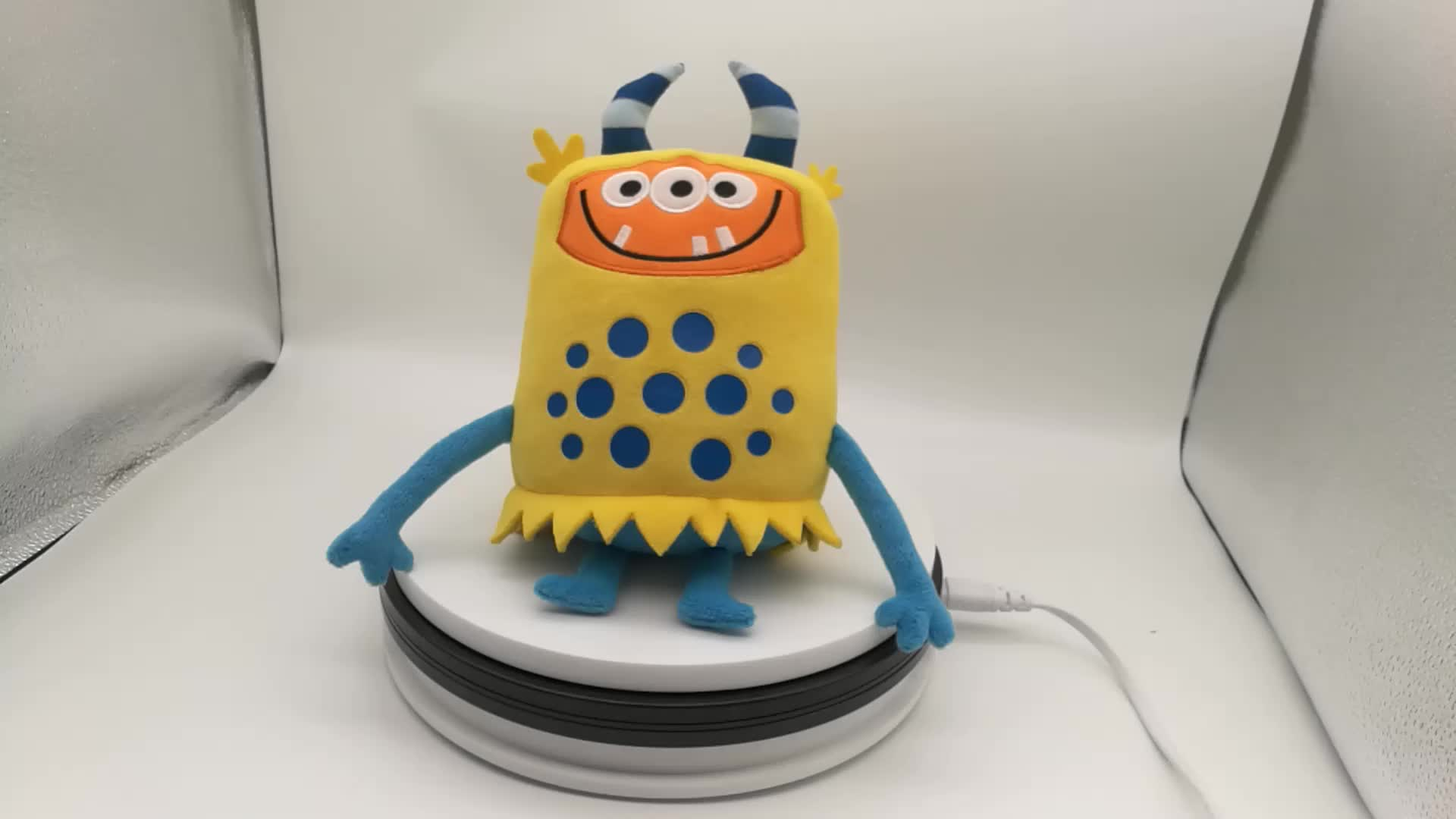 Wholesale cuddly monster soft toys plush monster