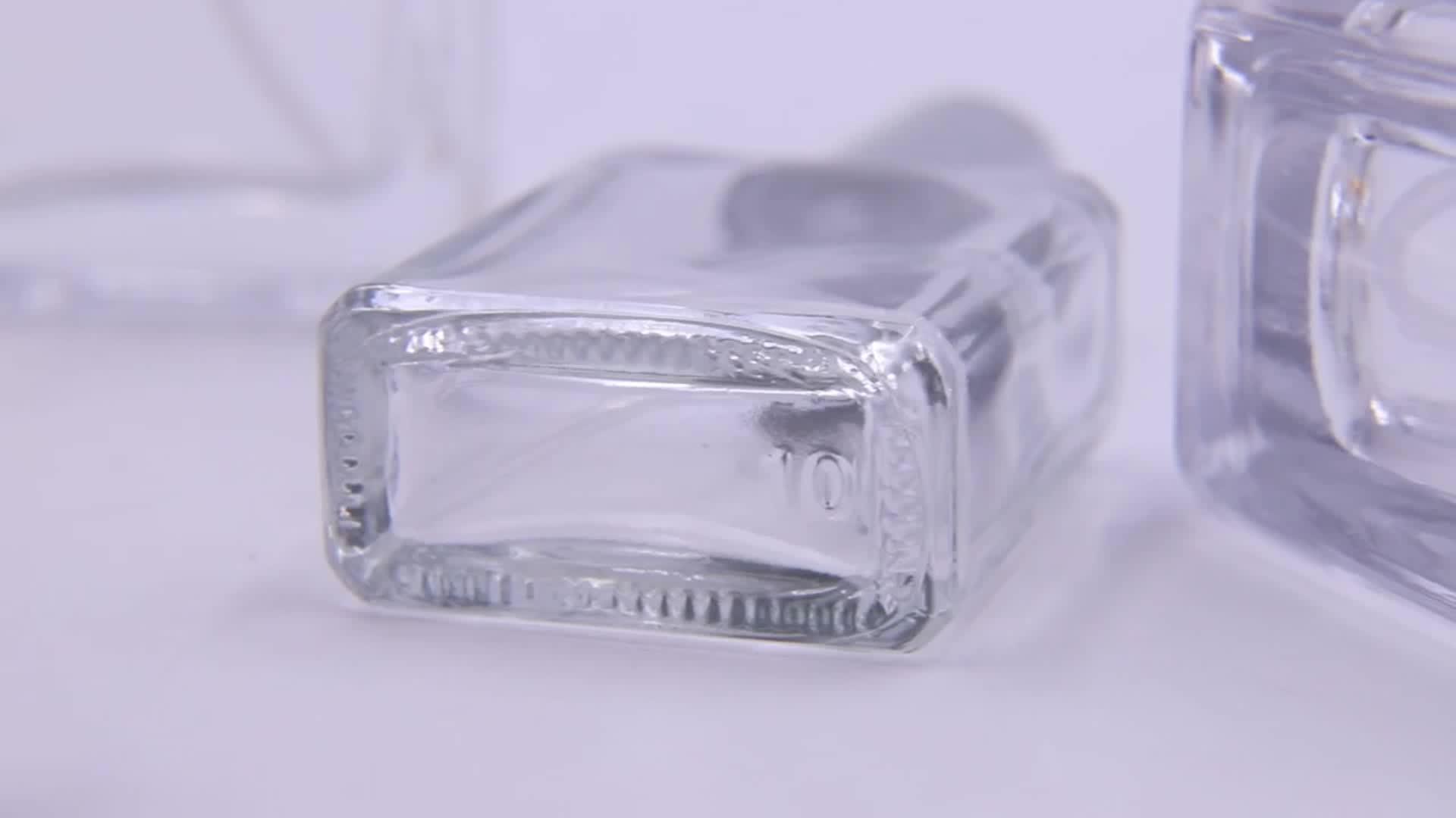 Yeni tasarım ile 15ml 50ml 100 ml doldurulabilir cam parfüm şişeleri