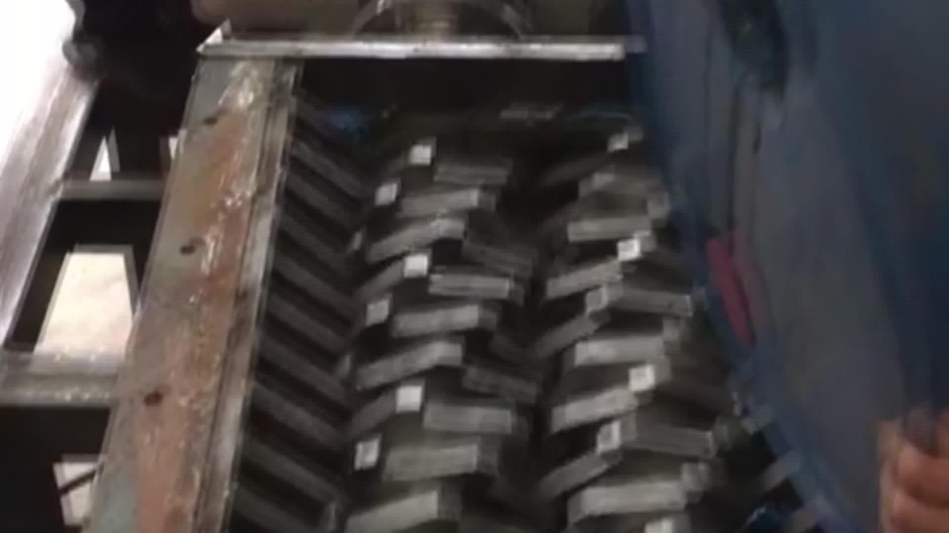 Zerkleinerungsmaschine aus Kunststoff mit doppeltem Schaft