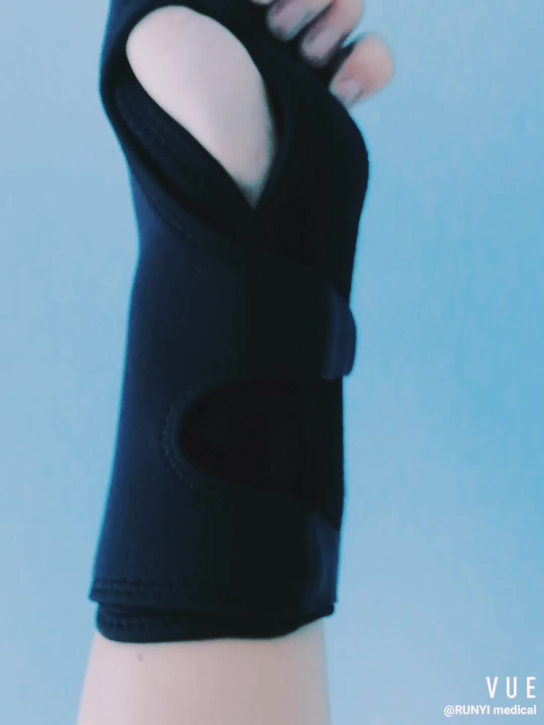 New design Night Sleep Wrist Support brace, lightweight splint with cushioned pads for carpal tunnel