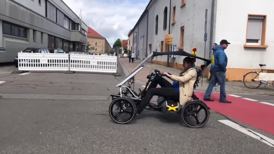 No Tariff Free Sea Shipping High Seat Air Spring Suspension Electric Adult Recumbent Quad Cycle with Fairing