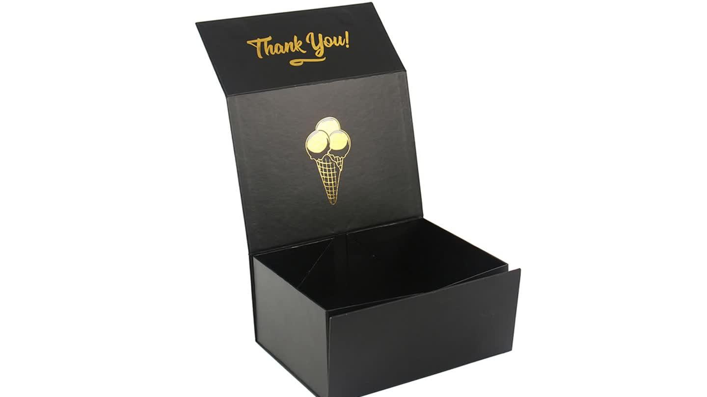 Groothandel Magnetische Custom Logo Vouwen Zwart Kraftpapier Cosmetische Verpakking