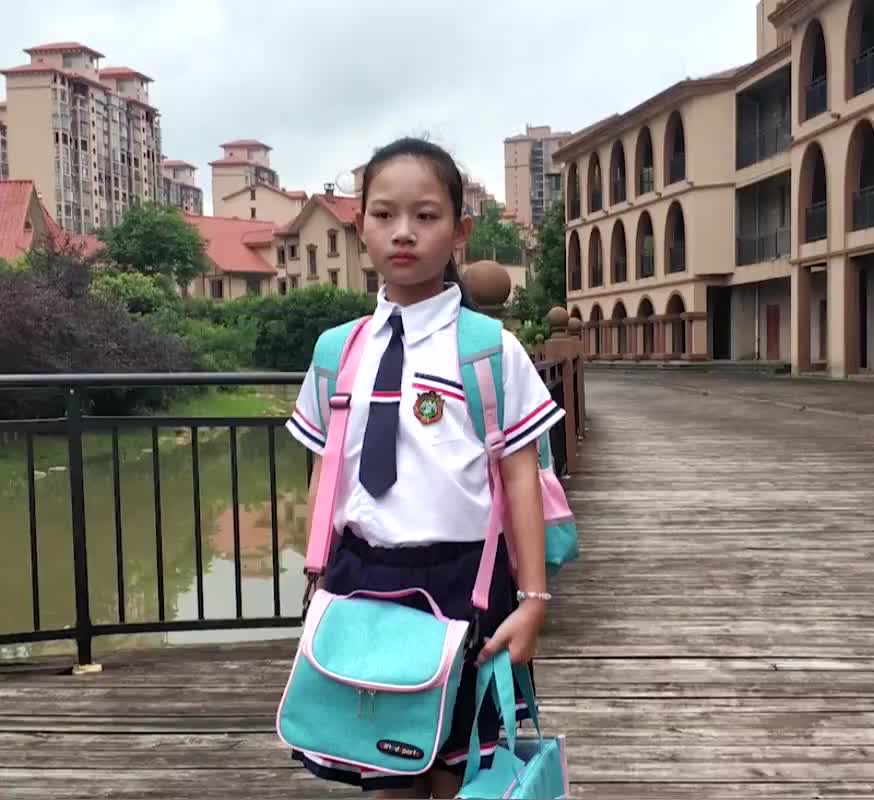2020 Latest children cartoon reflective girls school bag for kids