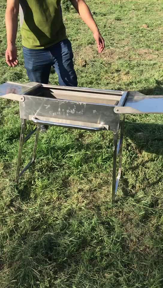 उच्च गुणवत्ता वाले स्टेनलेस स्टील टिकाऊ Foldable शिविर डीलक्स लकड़ी का कोयला BBQ ग्रिल