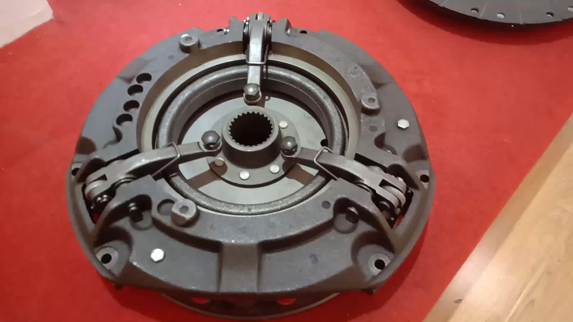 Leading Quality Tractor Spare Parts MTZ Cover Disc Clutch Assy