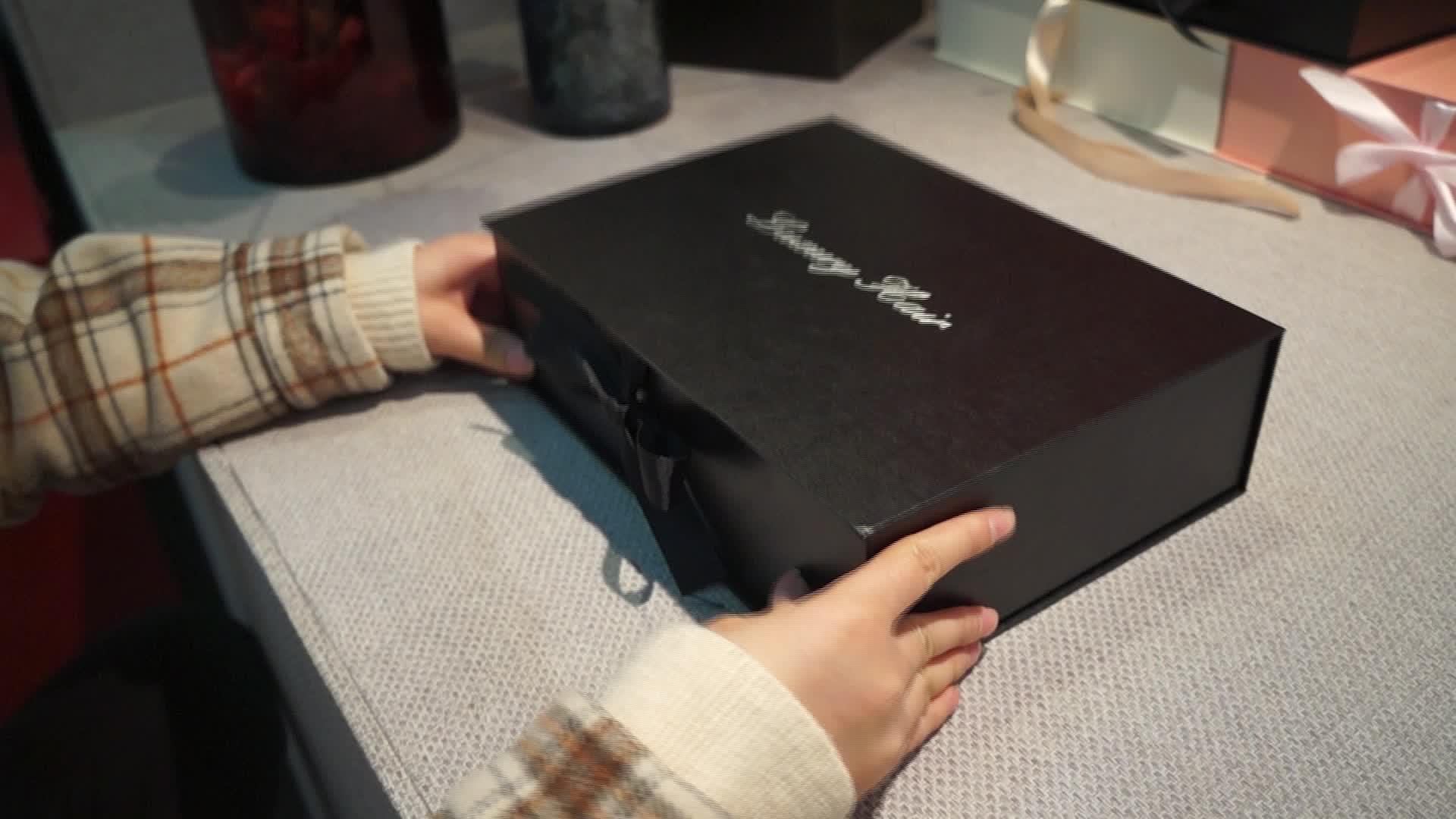 Custom luxury Bundle Hair Extension Packaging Boxes