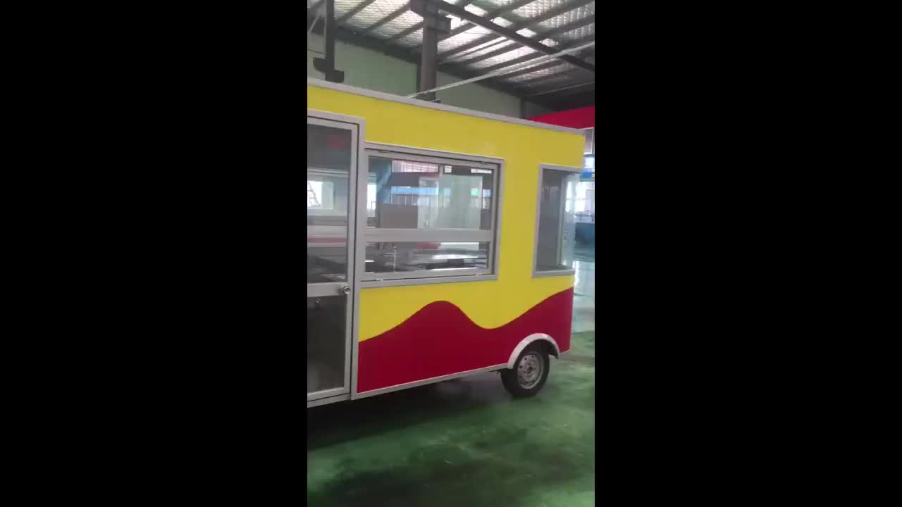 New type electric mobile food truck in China