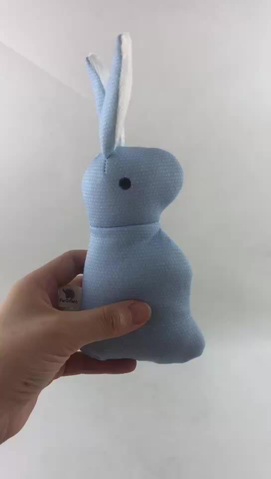 Mini lapin en peluche jouet bébé doux en peluche jouet en gros pas cher lapin bébé hochet en peluche