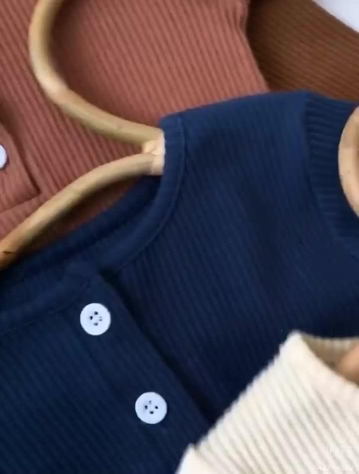 Q2-baby 도매 부드러운 면화 긴 소매 Jumpsuit 유아 Rompers 후드