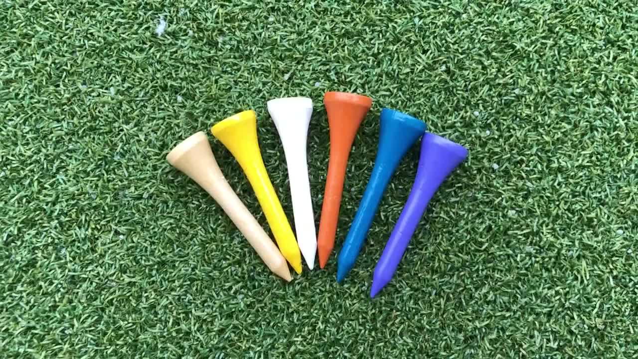 ประเดิมกอล์ฟไม้จำนวนมากที่มีสีสัน