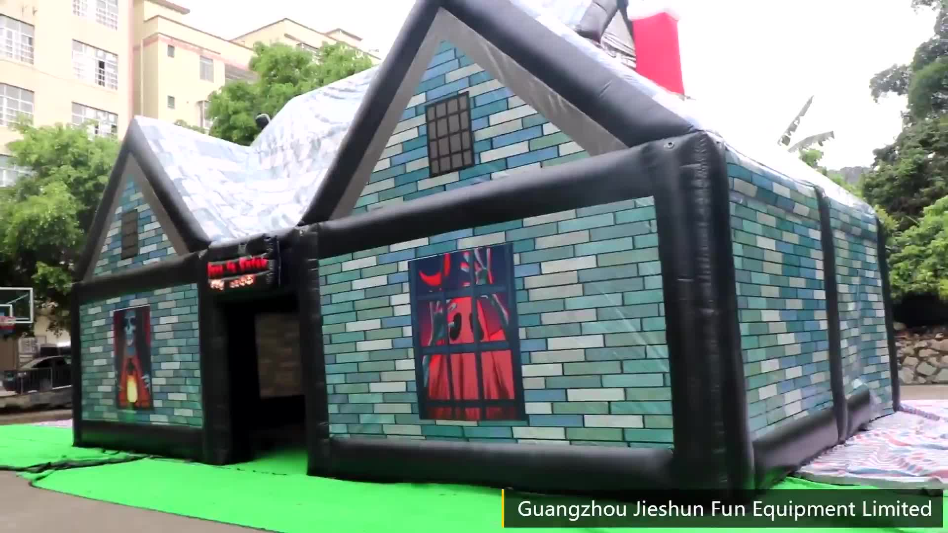 Halloween event outdoor inflatable large pub house inflatable haunted house tent for party