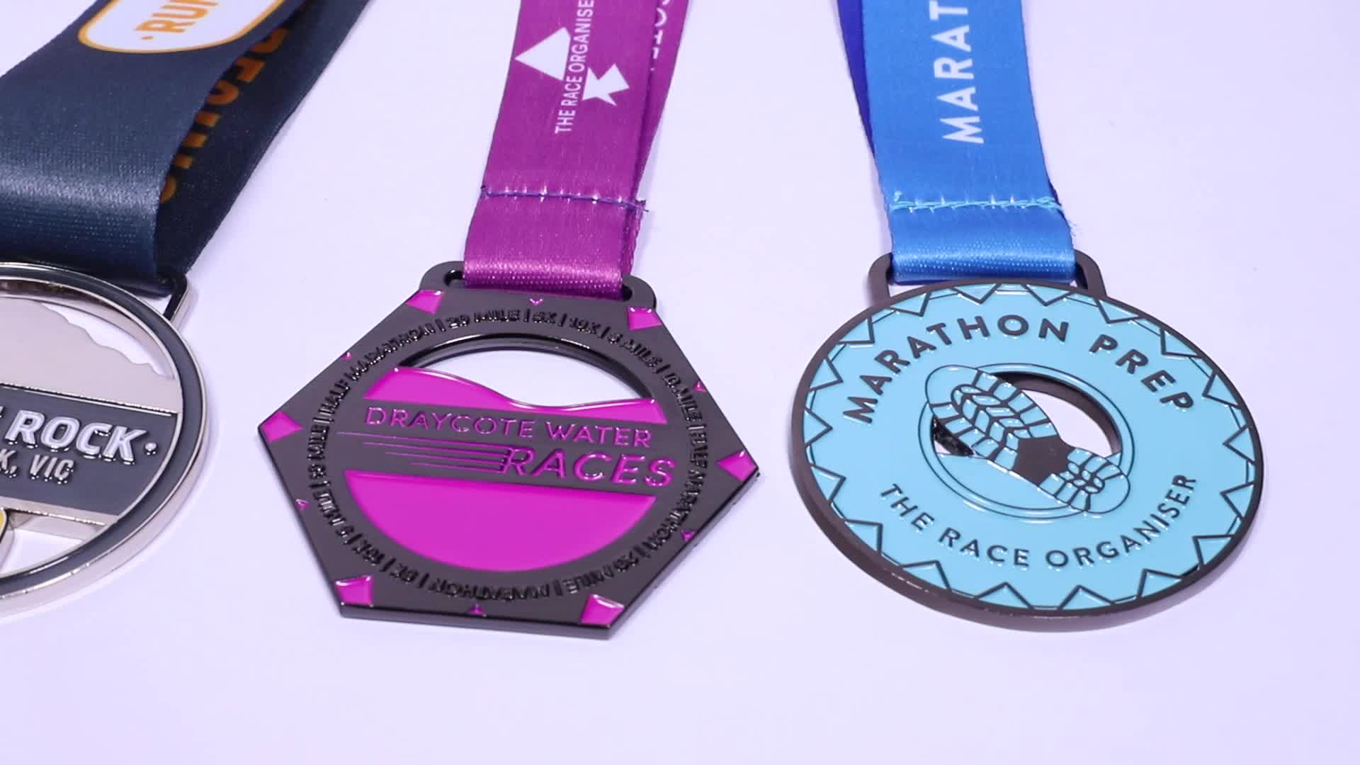 Chinese Guangdong manufacturers batch custom high quality colorful metal printing patch medals