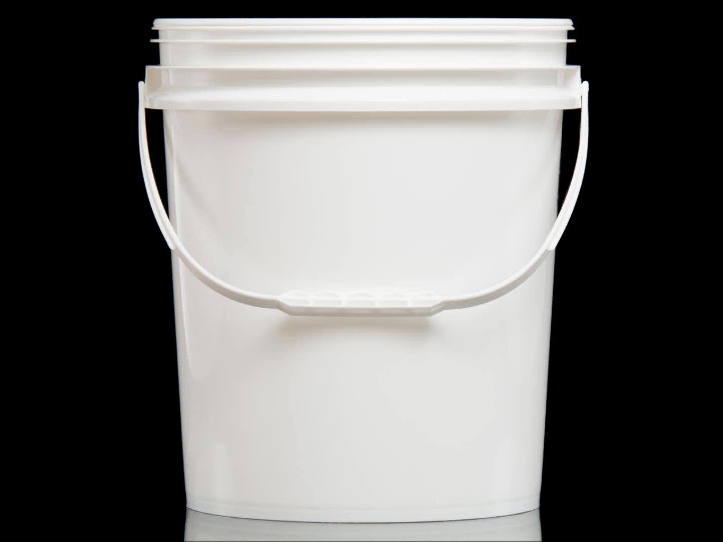 3 Gallon Securely Sealed Clear Plastic Bucket