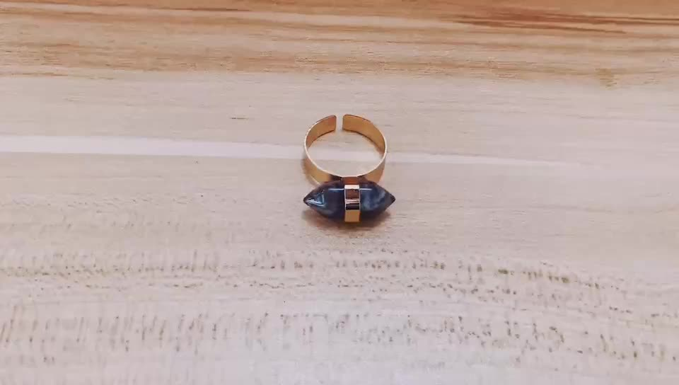 Columnar solid stone ring fashion ring with big stone