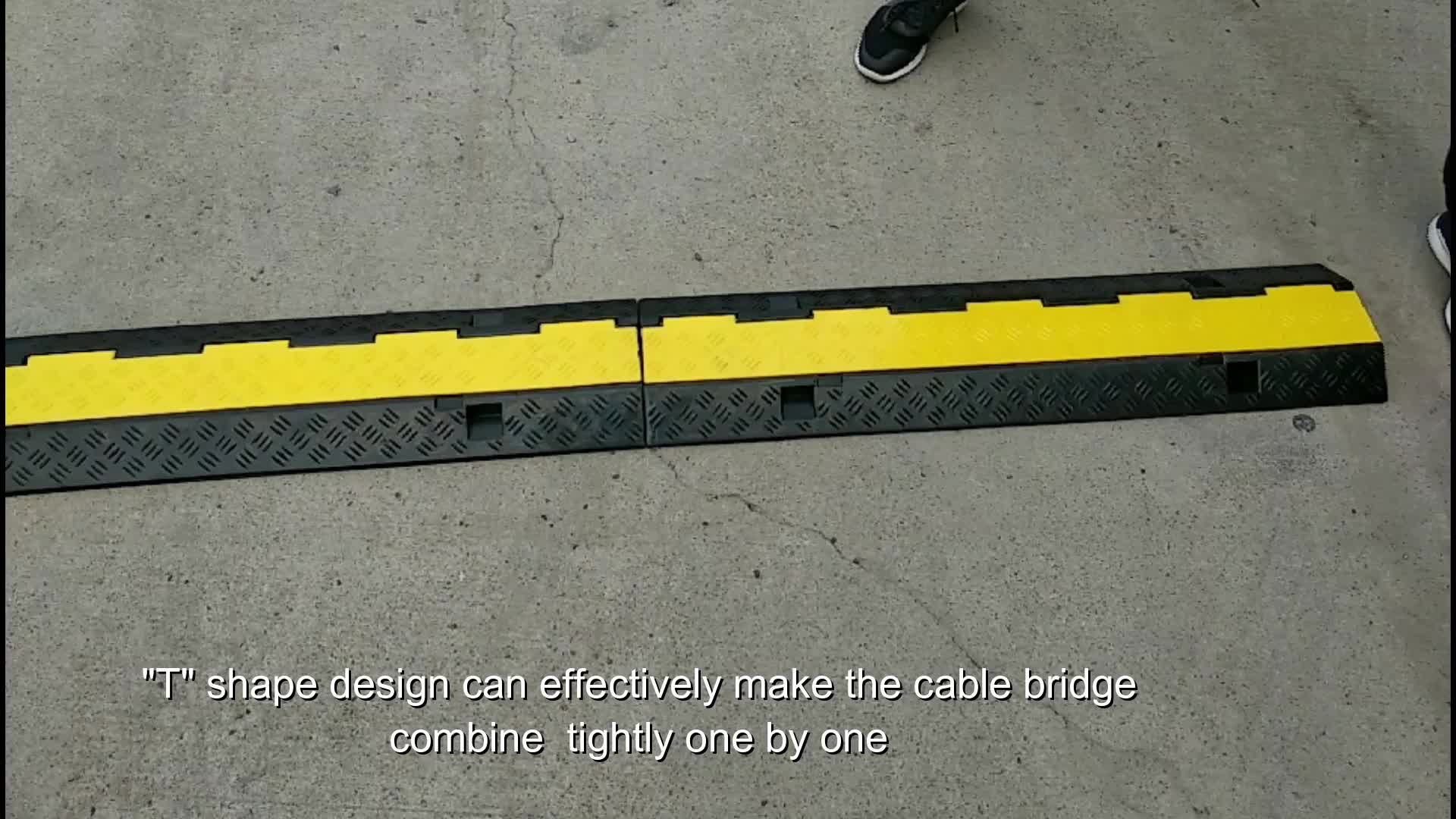 CE approved rubber 2 channels  cable trap  cable ramp  Rubber Cable Protector