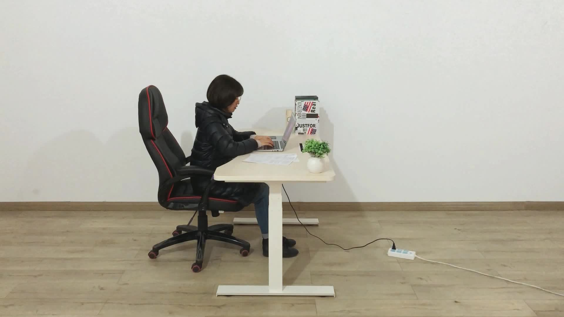 Electric stand up desk adjustable Sit to Stand/Standing desk with Dual Motor 3 Stage Up Lifting Legs