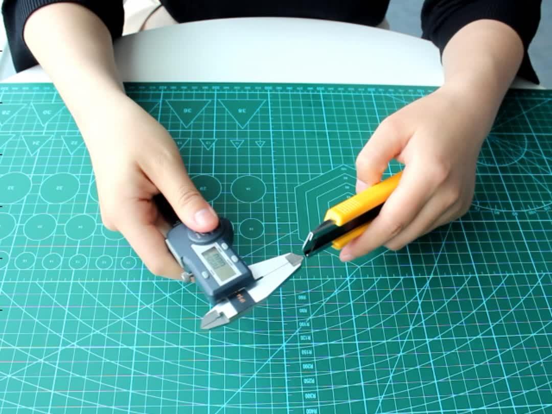 En popüler ücretsiz örnek 18 mm profesyonel kopça maket bıçağı