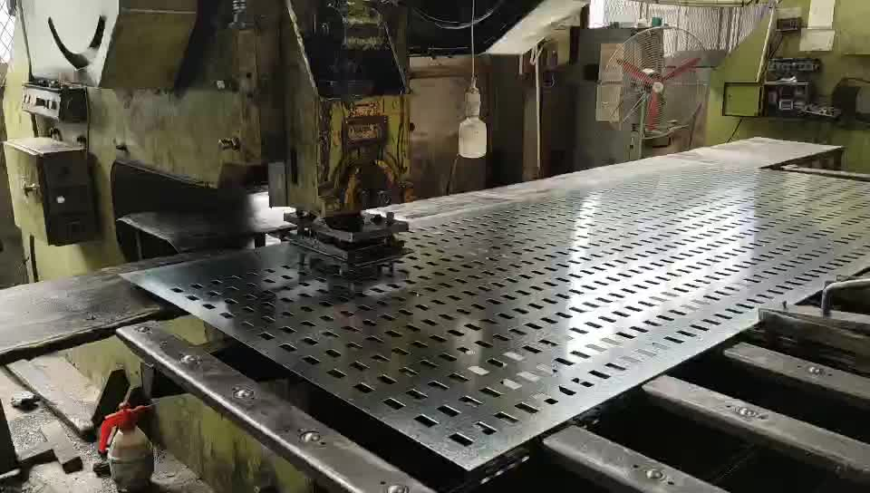 Anti-skid Plate perforated alligator mouth hole checkered plate