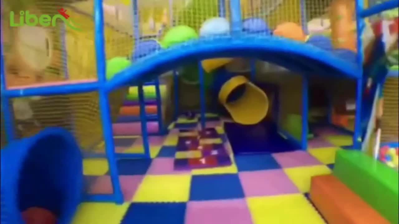 Per bambini di plastica di recinzione del giardino per bambini in pvc scherma per bambini all'aperto utilizzato per bambini parco di divertimenti in vendita