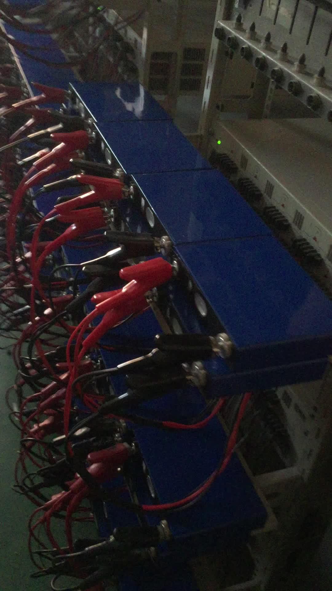 12 V LFP Pin OEM Khỏa Thân PVC Gói 12.8 V 50AH Pin Hỗ Trợ 24 V/36 V/48 V Loạt 3kw 5kw NĂNG LƯỢNG MẶT TRỜI Hệ Thống