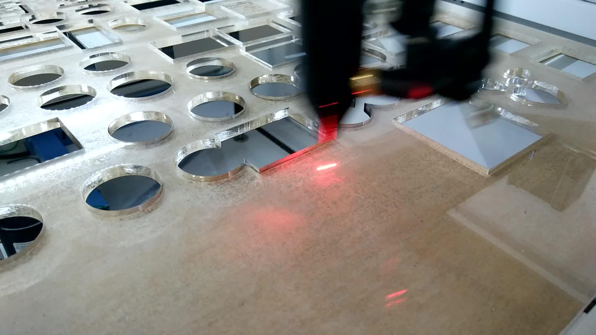 9060 लेजर उकेरक मशीन आईडी कार्ड लेजर उत्कीर्णन मशीन उपसतह लेजर मशीन ruida 6442 एस 80w 100w वैकल्पिक
